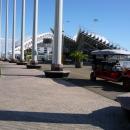 Прогулочные автомобили в Олимпийском парке Сочи.