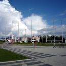 Вид на трибуны Сочи Автодрома с центральной площади Олимпийского парка.