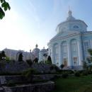 Алексеево-Акатов женский монастырь в центре Воронежа.