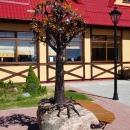 Арт-скамейка «Янтарное дерево». Смотровая площадка АО «Калининградский янтарный комбинат».