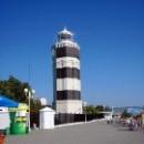 Гуляя по набережной Анапы можно дойти до маяка.