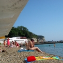 Галечный пляж на курорте Дивноморское.