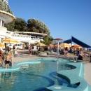 Пляж у гостиницы Жемчужина в Сочи.