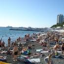 Пляжи центра Сочи у набережной Морвокзала.