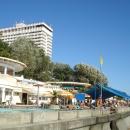 Пляж отеля «Жумчужина». Центр Сочи.
