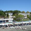 Территория и собственный пляж пансионата «Эдем».