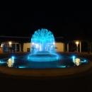 Фонтан на курорте Будва. Вечерняя Будва.