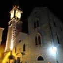 Собор Святого Иоанна Крестителя в Будве вечером. Старый город Будва.