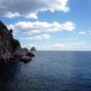 Бухта Чехова в Гурзуфе: море, горы, небо.