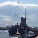 Крейсер «Аврора» - это символ Великой Октябрьской социалистической революции 1917 года в России.