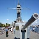 С крейсера «Аврора» во время 3-ей русской революции 25 октября (7 ноября) 1917 года был осуществлен выстрел – сигнал к началу штурма Зимнего дворца в Санкт-Петербурге.