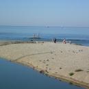 Маленькие заливчики на пляжах в Дивноморском.