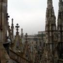 Миланский собор посвящен Рождеству Пресвятой Девы Марии.