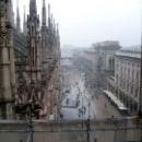 Вид с собора Дуомо в Милане.