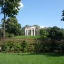Беседка «Миловзор» в парке Останкино.