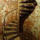 Винтовая металлическая лестница в здании форта номер 11. Калининград.