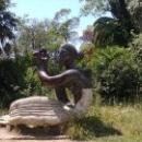 Парки и скульптурные композиции создают облик курорта Гагра.