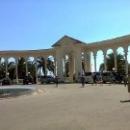 Достопримечательности Гагры – колоннада.