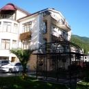 Отель Райда на берегу Черного моря в Гагре.