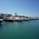 Яхты на территории порта Гранд Марина в Сочи.