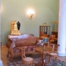 Экспозиция Гостиная усадебного дома в стиле ампир в залах Зимнего дворца. Государственный Эрмитаж, Санкт-Петербург.
