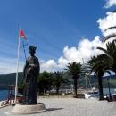 Памятник основателю города Герцег-Нови (Херцег-Нови) королю Твртко I.