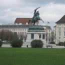 Площадь Героев. Конный монумент полководца Карла Австрийского (1859 год).