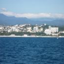 Вид на гостиницу «Жемчужина» с моря. Сочи.