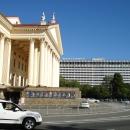 Вид на гостиницу «Жемчужина» и Зимний театр Сочи.