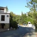 Начало территории гостиницы «Жемчужина» в Сочи.