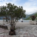 Остров «Мадонна на Рифе» в Боко-Которском заливе в Черногории.