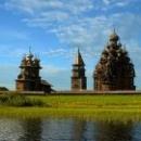 Карелия. Онежское озеро. Остров Кижи – памятник древнего зодчества.