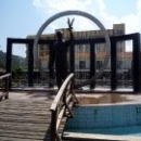 На центральной площади Кемера установлен фонтан-памятник первому президенту Турции Ататюрку.