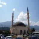 Мечеть в Кемере с двумя минаретами.