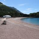Пляж Короля на курорте Милочер в Черногории.
