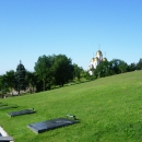 Вид с Площади Скорби на мраморные плиты могил. Мамаев курган. Волгоград.