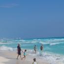 Пляжная Коса курорта Канкун в Мексике.