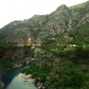 Каньон реки Морача в Черногории.