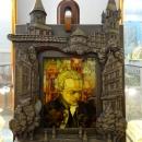 Портрет из янтаря Иммануила Канта. Музей Янтаря в Калининграде.