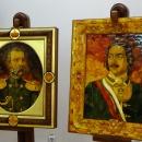 Портреты из янтаря Александра II и Петра I. Музей Янтаря в Калининграде.