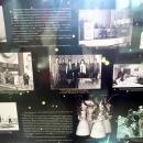 Информационные стенды с фотографиями и выдержками из газет в Музее космонавтики в Санкт-Петербурге.