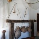 Интерьеры в музее Скадарское озеро демонстрируют предметы быта типичные деревенскому укладу жизни.