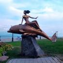 Скульптура «Дельфин и русалка». Набережная Новороссийска.