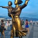 Памятник «Жёнам моряков». Новороссийск.