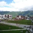 Вид на Горную Олимпийскую деревню на Роза Плато.