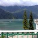 Природная достопримечательность Абхазии – озеро Рица.