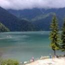 Самая посещаемая достопримечательность Абхазии – озеро Рица.