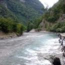 Реки в Абхазии не судоходные и не замерзают зимой.