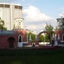 Парадный въезд в Воронцовский парк в Москве.