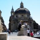 Одна из двух церквей-близнецов в Риме - Санта-Мария-деи-Мираколи на Площади дель Пополо.